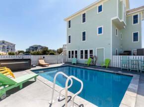 The pool at LA VENTANA