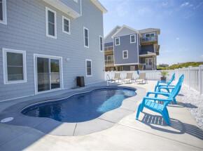 The pool at BEACH NIC