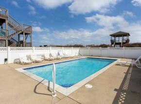 The pool at MOON BAY