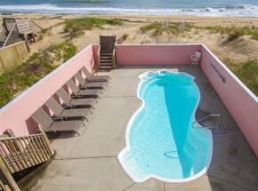 The pool at SAIL AWAY