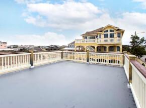 The pool at GRANDE ATLANTIS