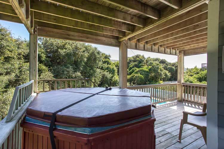 DUCK DREAMS Hot Tub on 1st Floor Covered Deck