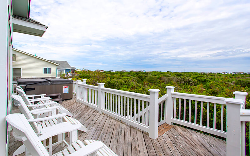 SEA FOREVER 2nd Floor Deck with Hot Tub