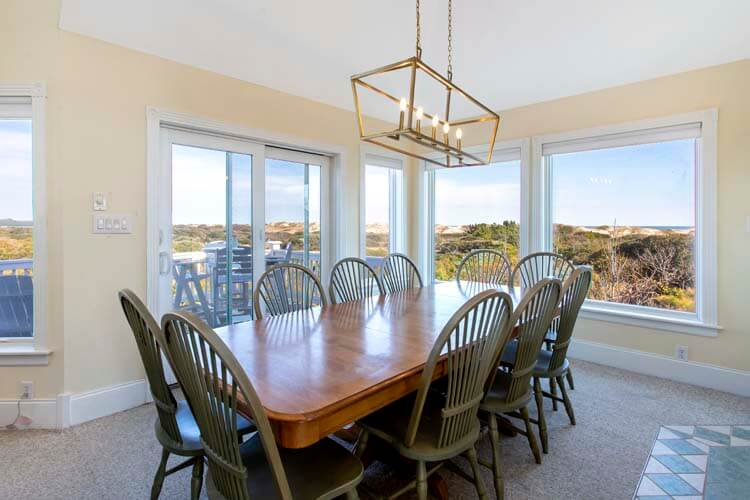 SEA FOREVER Dining Area
