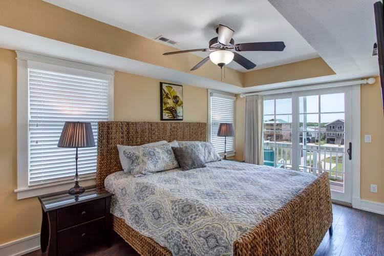 CARIBBEAN JEWEL Top Floor King Master 3