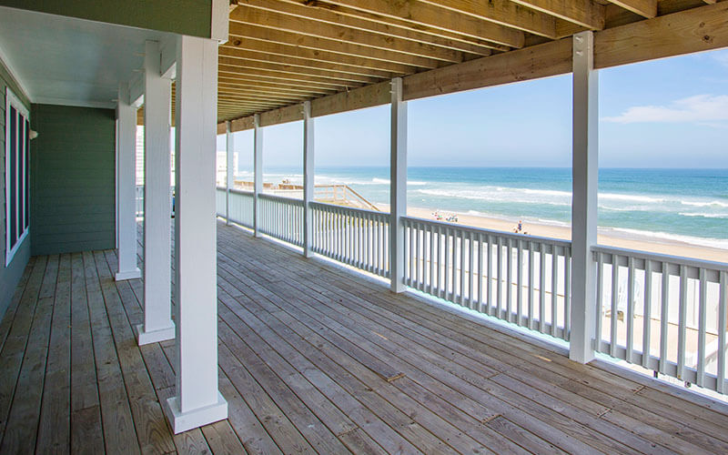 COAST AWHILE 1st Floor Deck