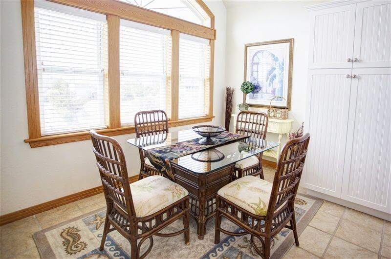 COAST AWHILE Extra Kitchen Table