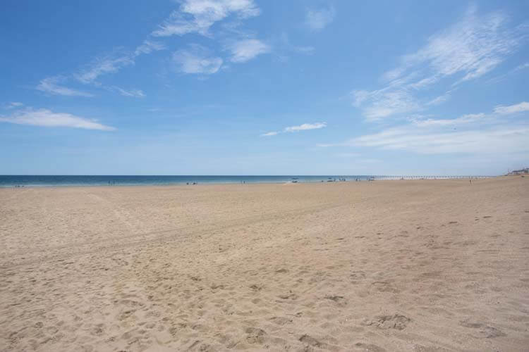 COAST AWHILE Beach South