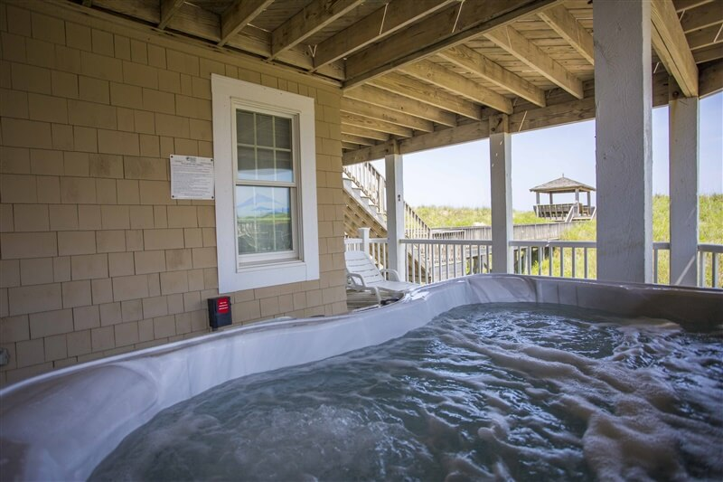 THE CARIBBEAN QUEEN Mid Level Deck with Hot Tub