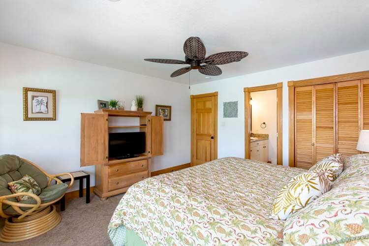 THE CARIBBEAN QUEEN 1st Floor Queen Jr Master