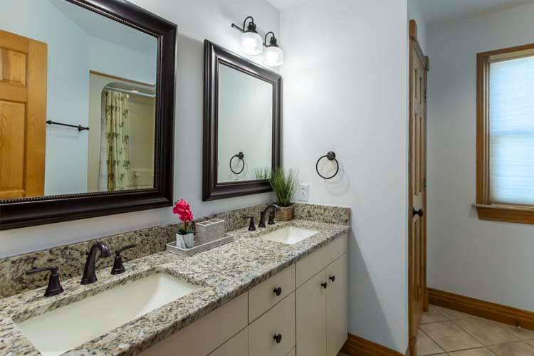 THE CARIBBEAN QUEEN Ground Floor Queen