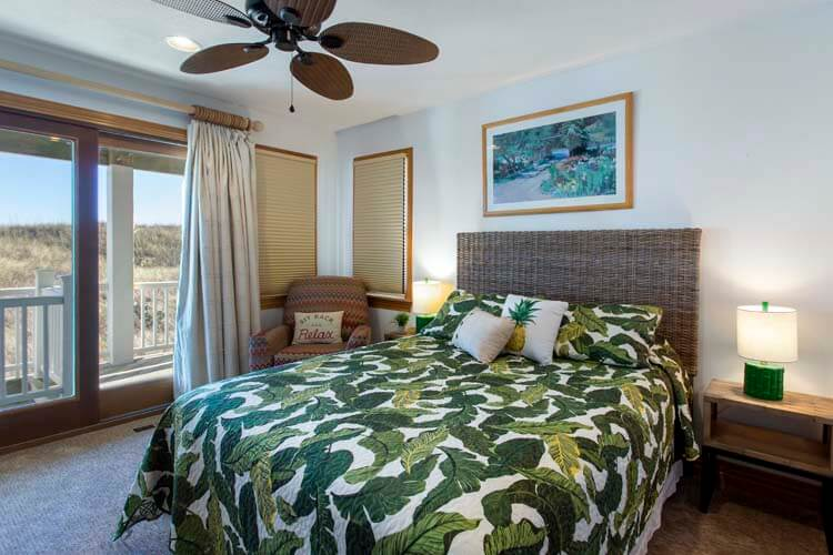 THE CARIBBEAN QUEEN Private Gazebo