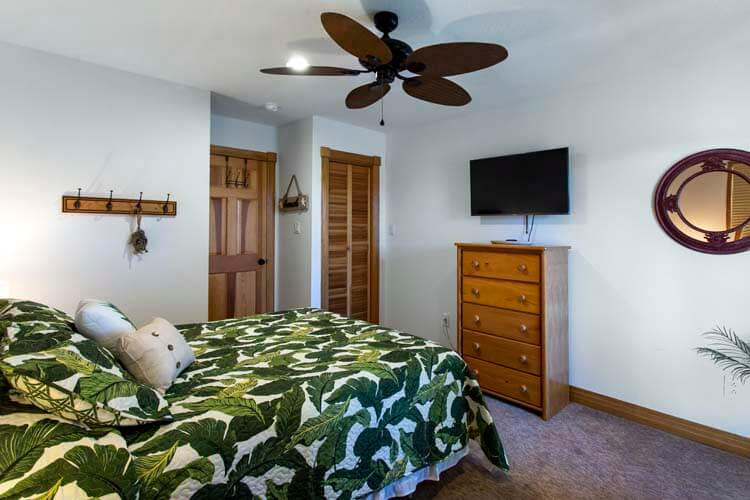 THE CARIBBEAN QUEEN North view of beach Sept 2013