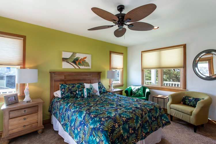 THE CARIBBEAN QUEEN South view of beach Sept 2013