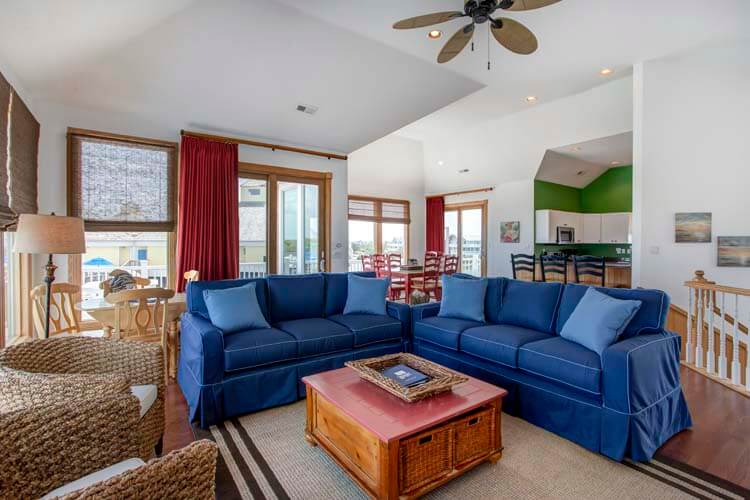 THE CARIBBEAN QUEEN Great Room