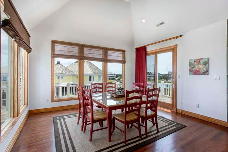 THE CARIBBEAN QUEEN 2nd Floor King Master