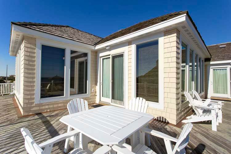 THE CARIBBEAN QUEEN 2nd Floor King Master Bathroom