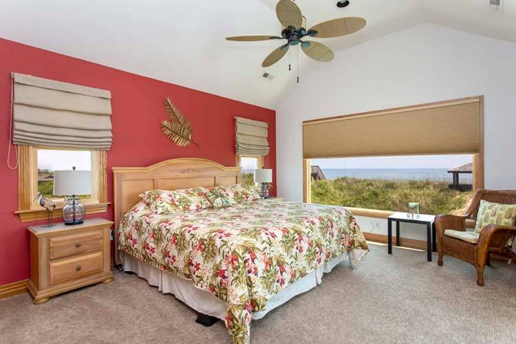 THE CARIBBEAN QUEEN 1st Floor King Master