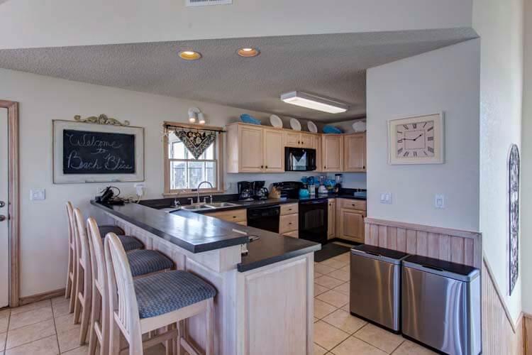 BEACH BLISS Rooftop Deck