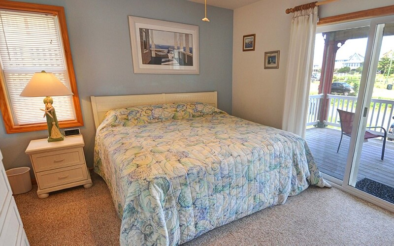 FIN AND FEATHER Bedroom